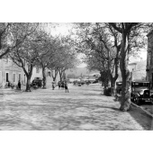 nans-les-pins-clv-06-place-du-village